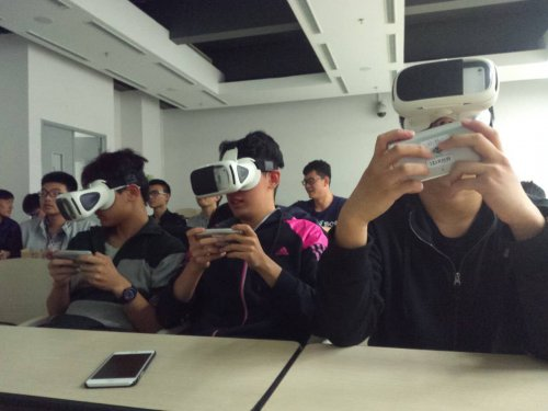 极维客VR高校电竞赛北航站落幕 300勇士6人胜出