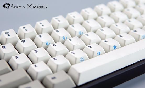 Akko联合MAXKEY推出TADA68 PRO蓝牙双模机械键盘
