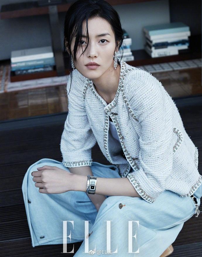 刘雯登ELLA时尚杂志封面 自由随性唯美动人