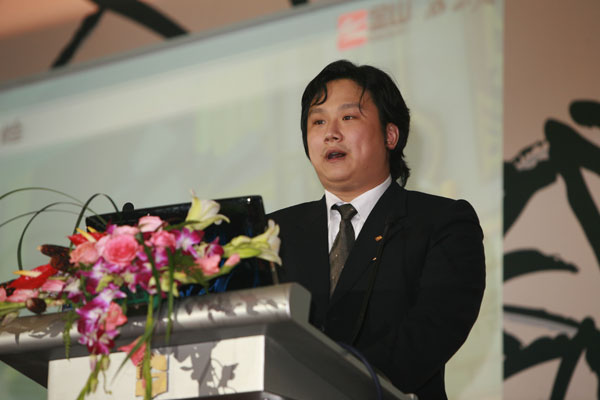 从制作人到CEO 郭炜炜如何一步步成为西山居最大掌门人?