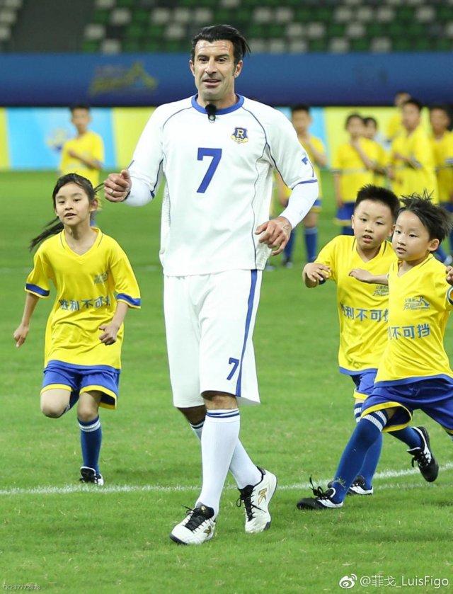 《奔跑吧2》第八期将至 菲戈领衔诸多足球明星