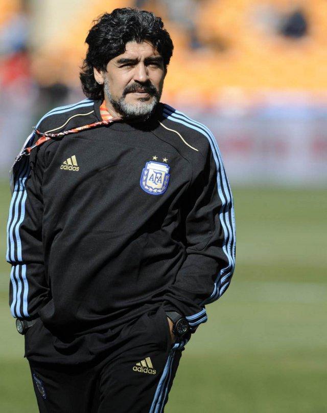 马拉多纳求婚成功 阿根廷球王将再次步入婚姻殿堂