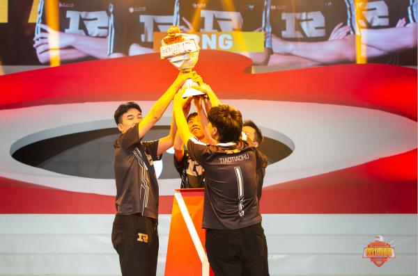 第三届微博杯RNG战队强势夺冠!XDD战神称号实至名归!