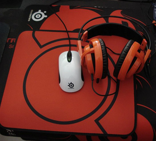 SteelSeries�瑞系列